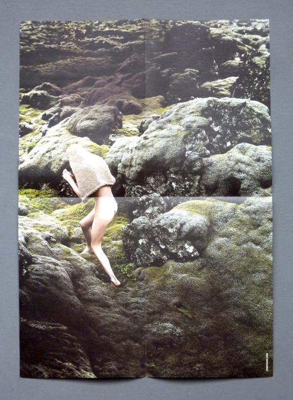 """Innenseite Programm-Faltblatt """"Die s(p)anische Fliege"""" mit einer Kunst-Kollage und möglicherweise tieferem Sinn. Foto: Gudrun Pawelke"""