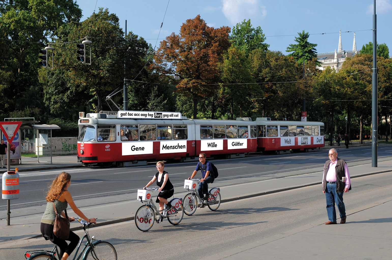 Die Tram der Burgtheaterkampagne. Foto: Wiener Burgtheater